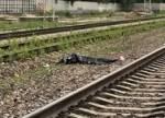 Мужчина погиб под колесами электрички на западе Москвы